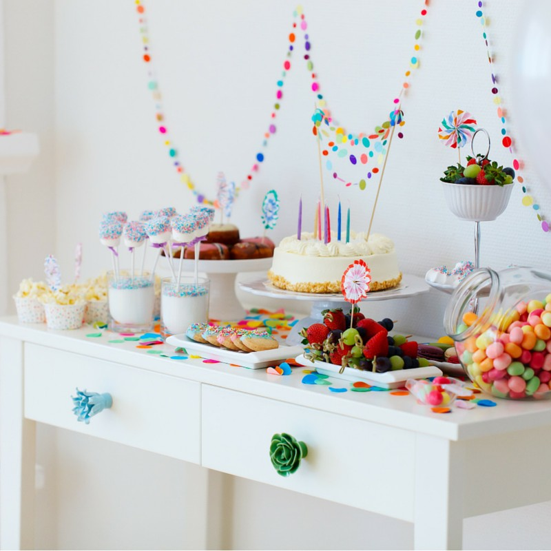 How to Plan a Party: Dessert Table