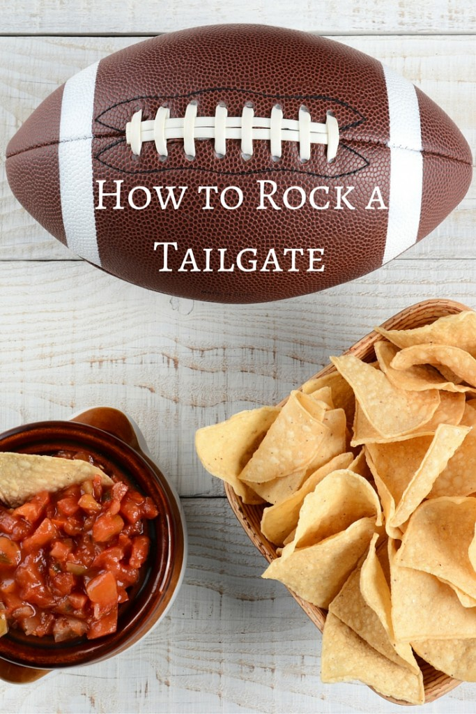 Ultimate Party Guide: How to Rock a Tailgate | Ideas and tips for tailgating at the big game | confettiandbliss.com