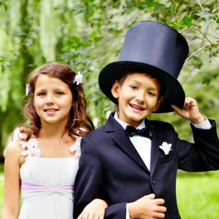 Wedding Reception Activities for Kids | confettiandbliss.com