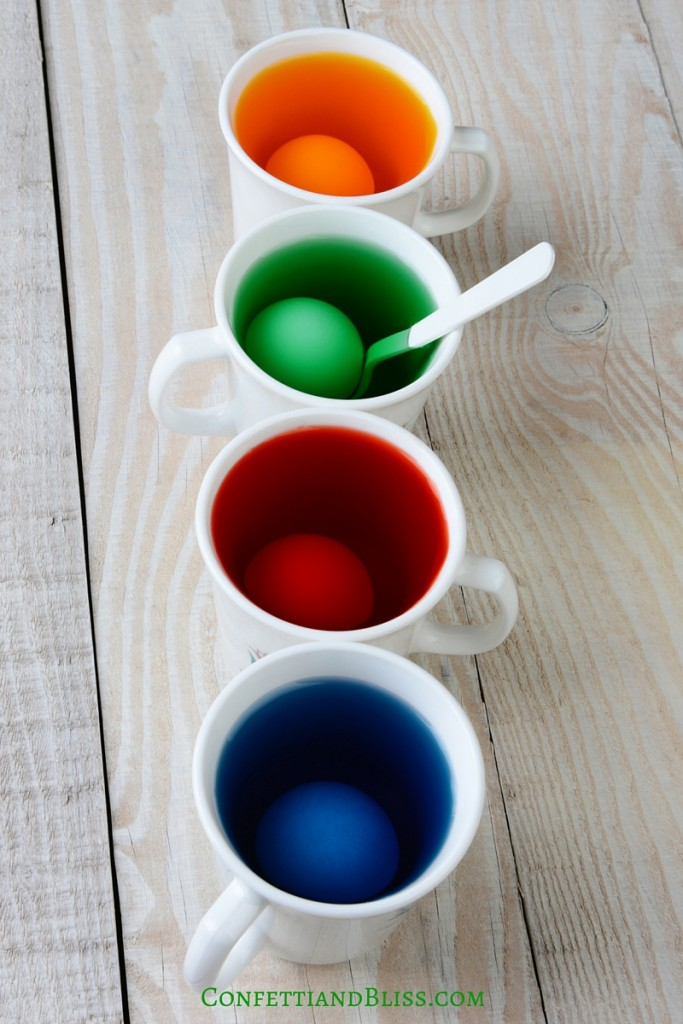 How to Color Easter Eggs with Food Coloring