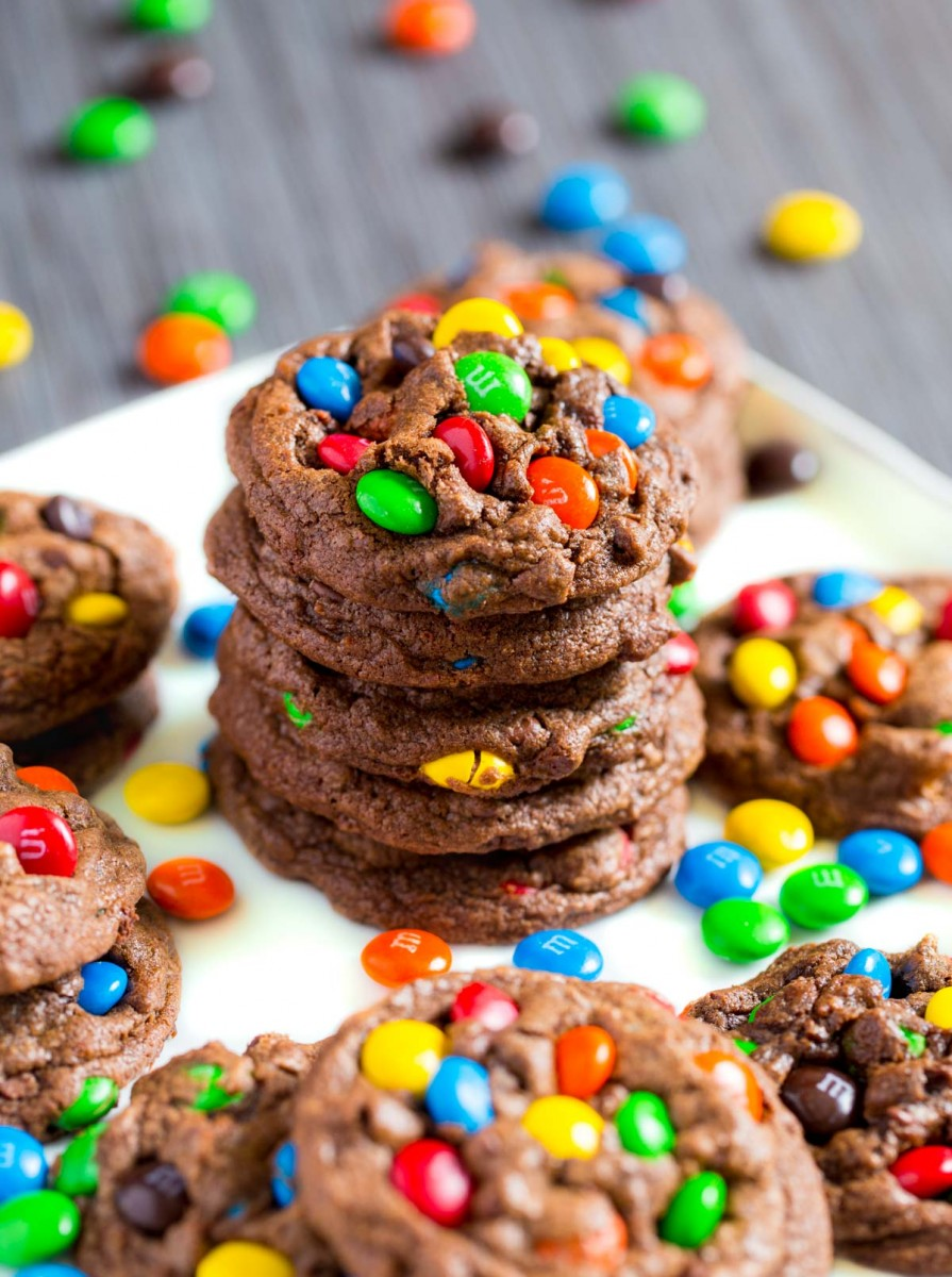 chocolate chip m m cookies quick easy recipe. Black Bedroom Furniture Sets. Home Design Ideas
