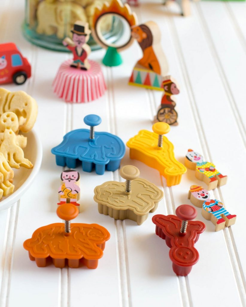 Animal crackers recipe made with adorable animal cookie cutters.
