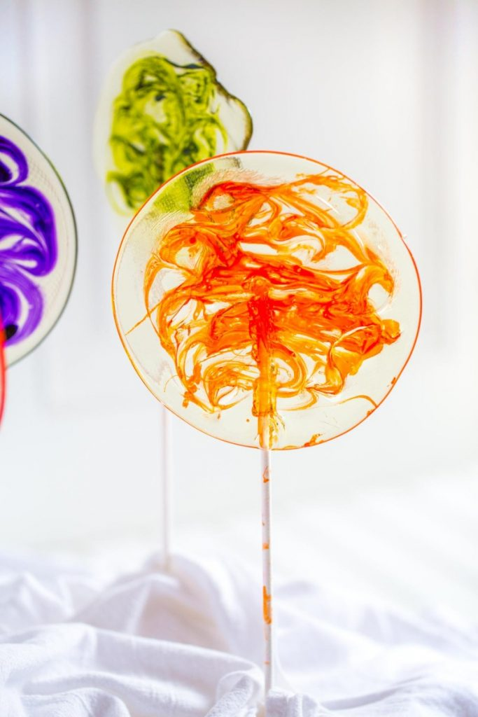 How to Make Rainbow Swirl Lollipops