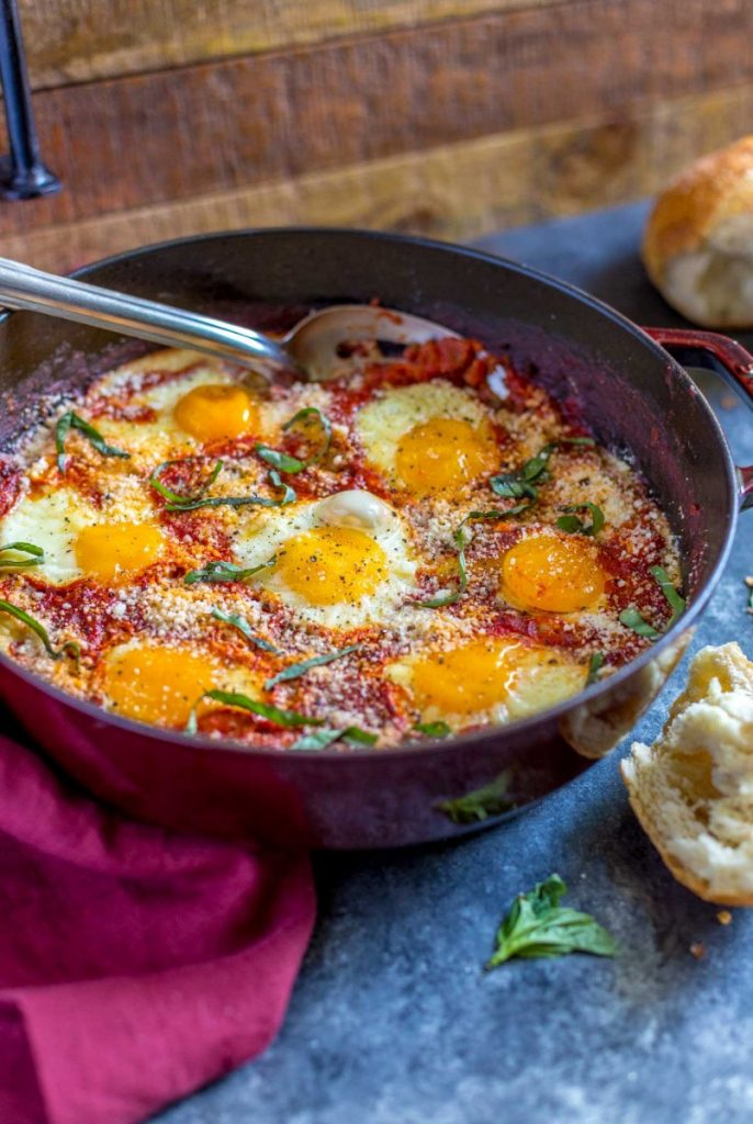 Eggs in Purgatory served with bread