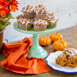 Pumpkin Muffins with Crumb Cake Topping