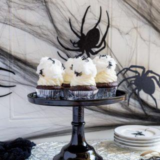 Spiderweb Halloween Cupcakes