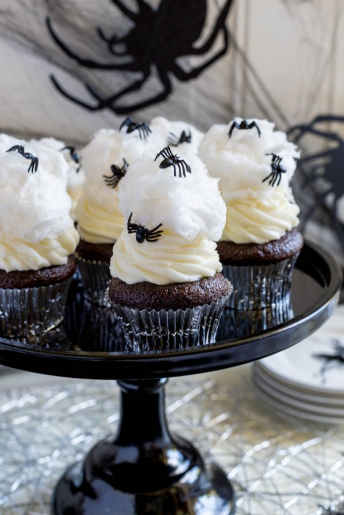 Halloween Cupcakes with Spiderwebs
