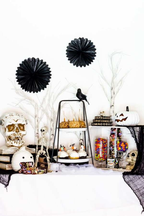 Easy Halloween Party Table with a black-and-white spooky theme.