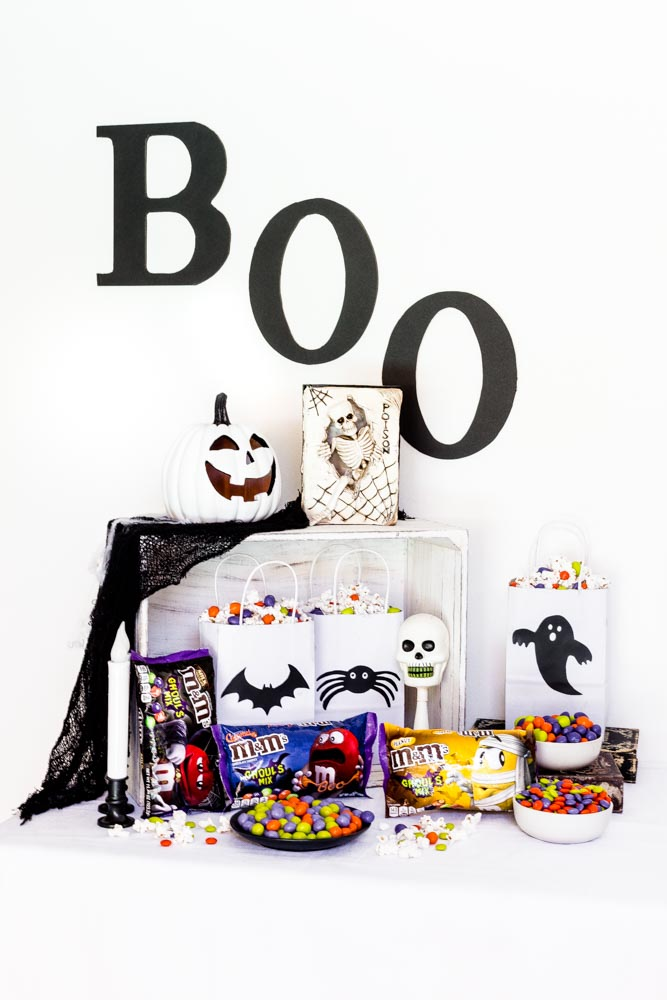 Halloween DIY Halloween Treat Bags for Movie Night.