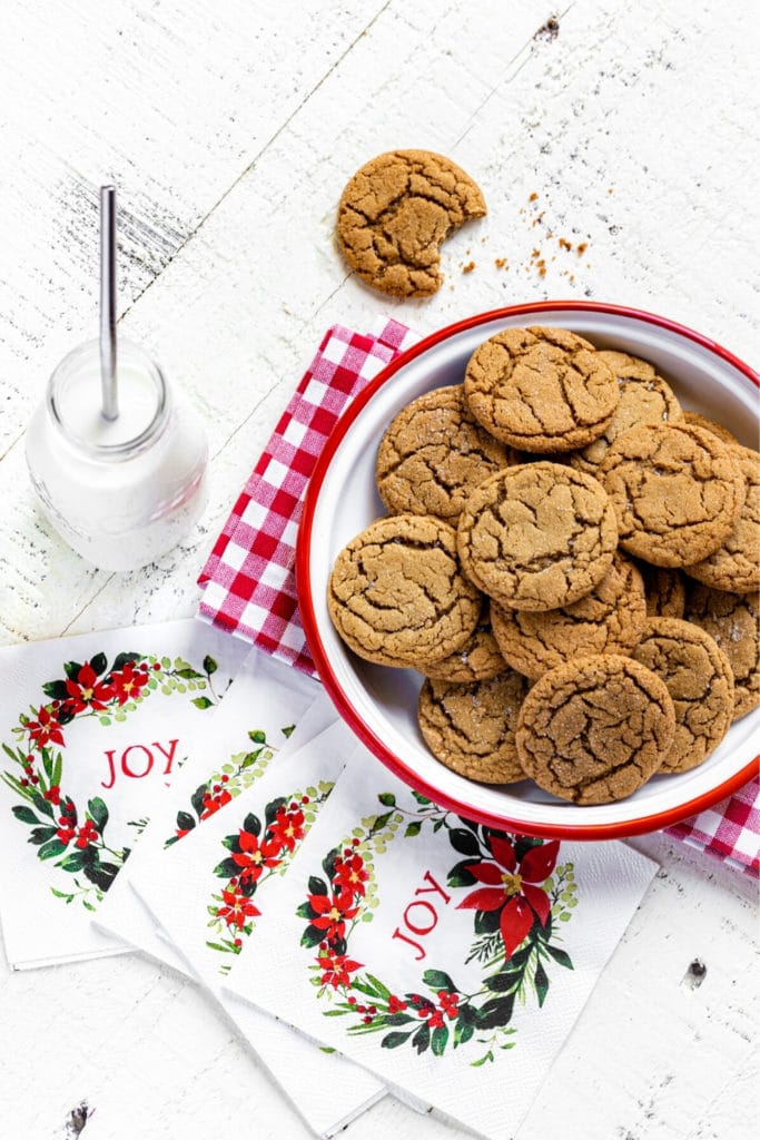 Pinterest Graphic for Ginger Snap Cookies Recipe.