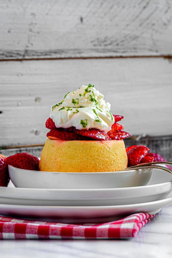 Pinterest graphic for best strawberry shortcake recipe.