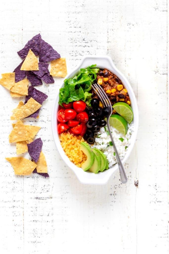 Pinterest graphic for healthy burrito bowl recipe.