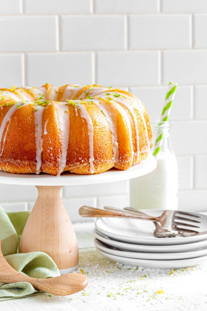 Pinterest graphic for best lemon cake recipe.